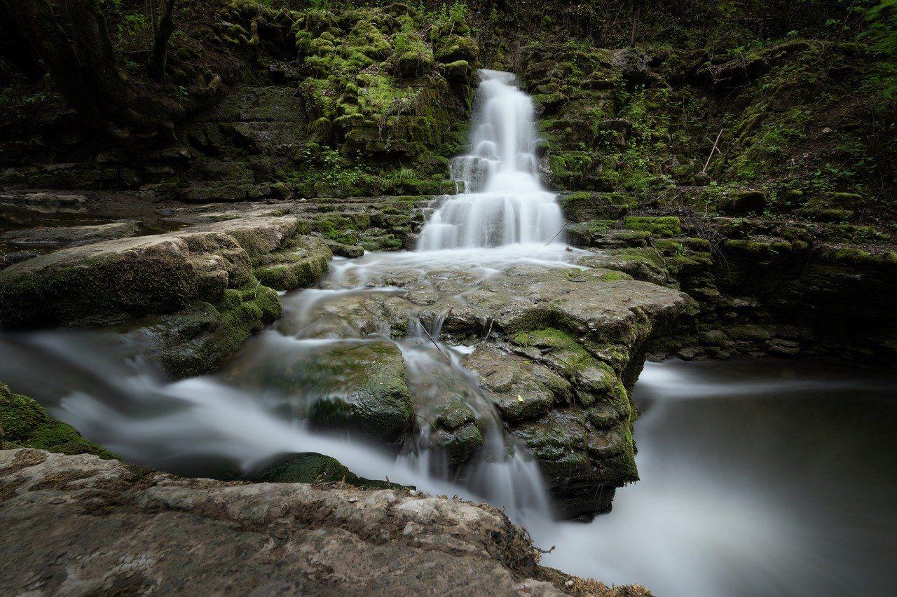 waterfall-5138793_1280-compressor